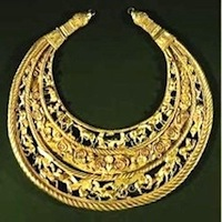 Ancient Roman gold necklace