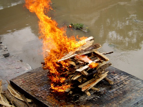 A Hindu cremation rite in Nepal