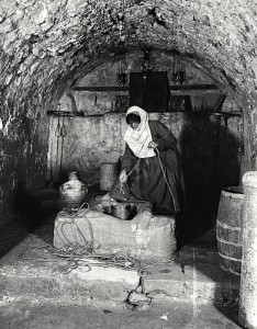 Woman at Jacob's Well in c. 1900, Library of Congress Collection