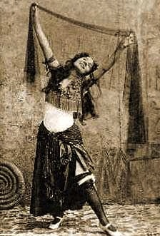 """""""Little Egypt"""" was the most popular performer in the Streets of Cairo exhibit"""
