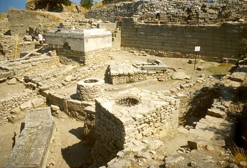 Today archaeologists believe that the sixth and seventh oldest cities found in layers at Hisarlik are the best candidates for the Troy of The Iliad.