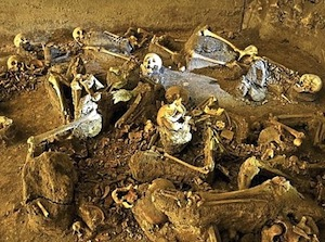 Bones of twins huddled together were found among skeletons discovered at Villa of L. Crassius Tertius, Pompeii