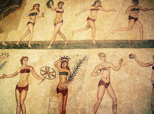 ancient-roman-women-playing